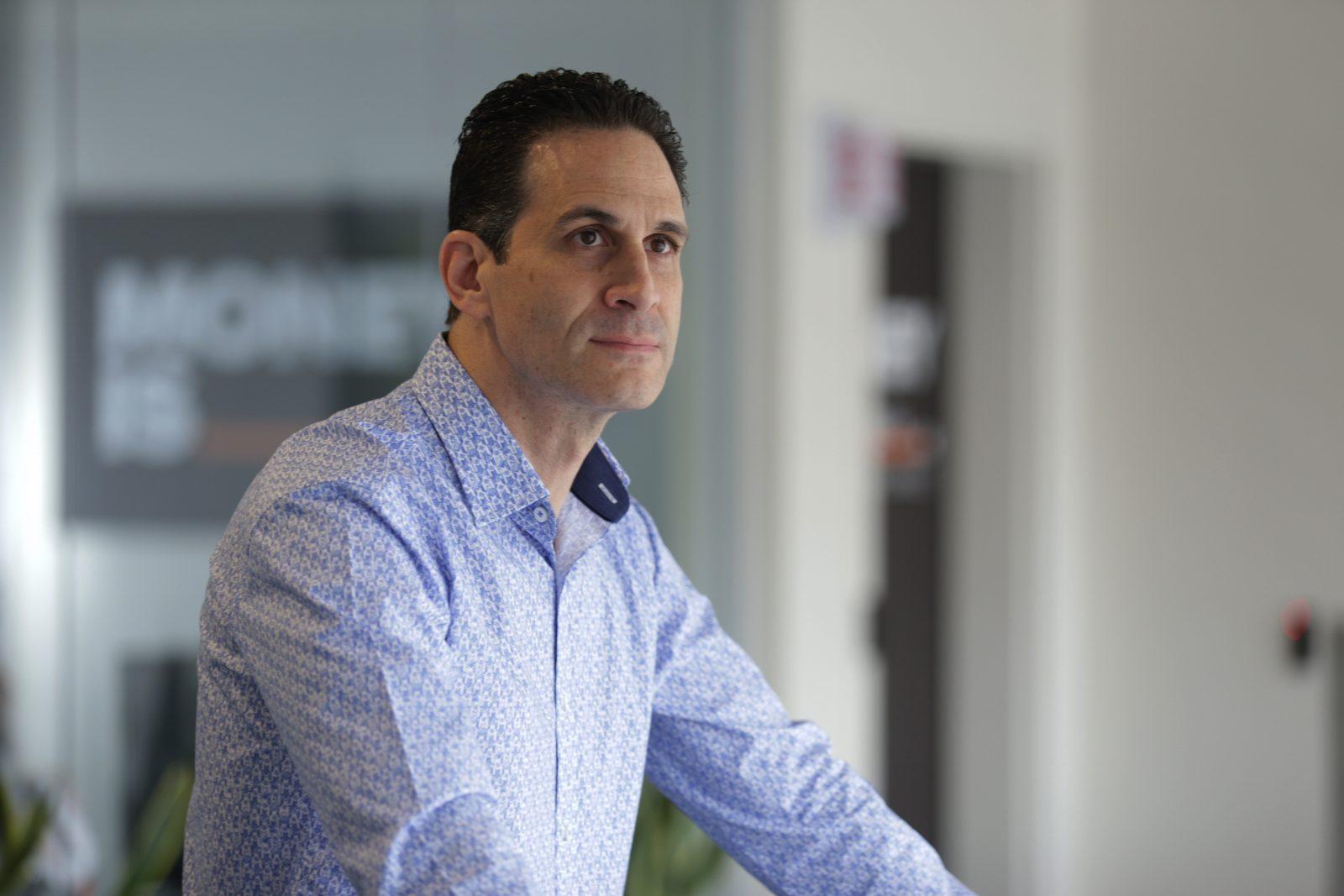 Marco Santarelli - How to Build a Passive Real Estate Portfolio